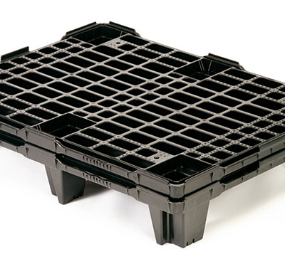When-nestable-plastic-pallets-are-not-in-use,-they-nest-inside-each-other