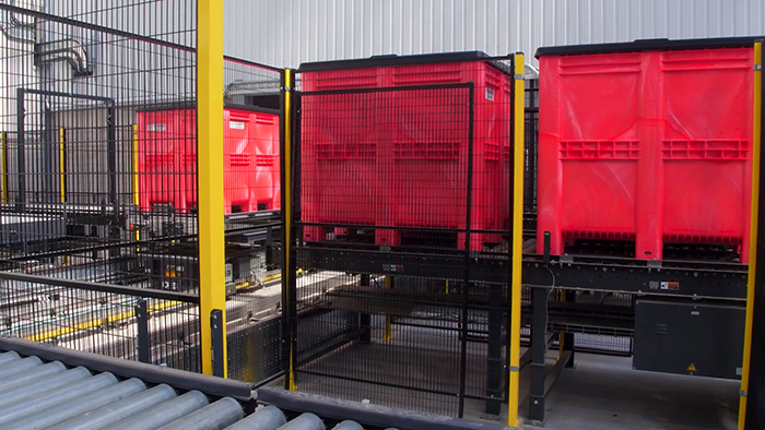 Goplasticpallets.com's plastic pallet boxes in use at GA's new automated facility