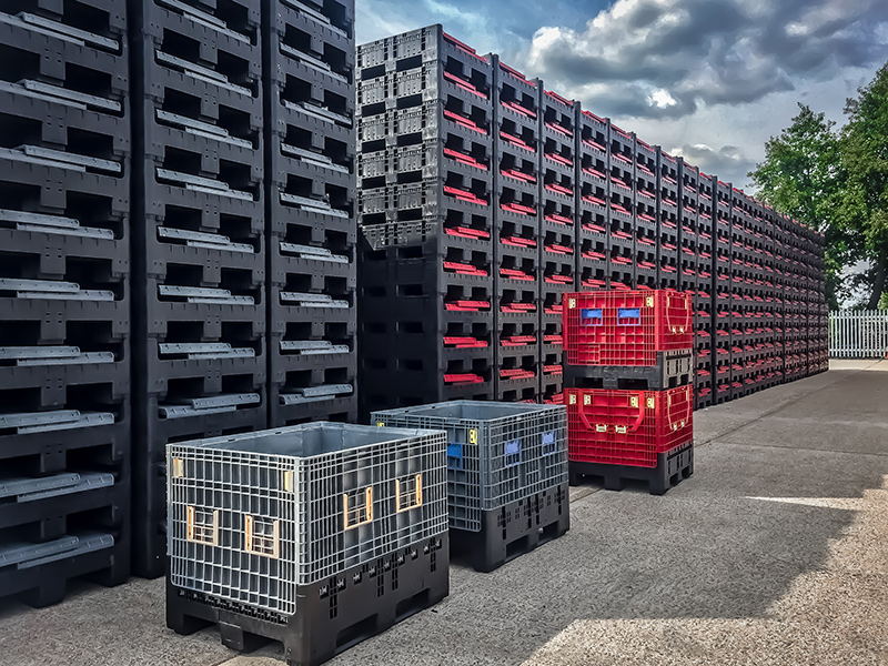 Large foldable pallet boxes like our GoFLC 975 can reduce storage and transport space and the associated costs