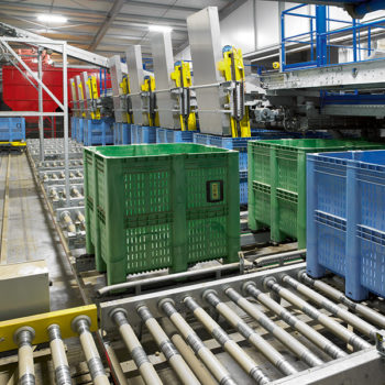 Potatoes 'go' fully automated thanks to Europe's largest plastic pallet box