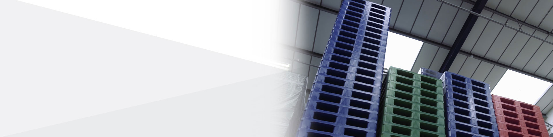 The UK's largest range of Plastic Pallets, Pallet Boxes and Small Containers